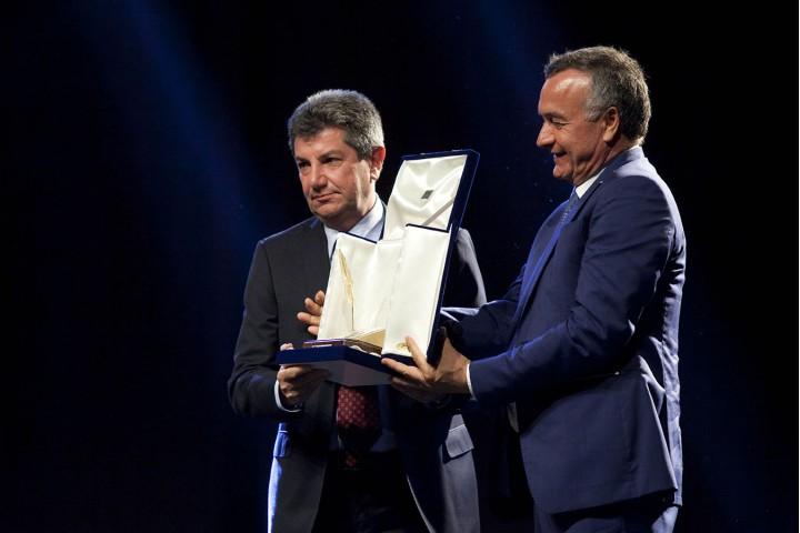 Bubbico premia Vicinanza Penna d'Oro 2015
