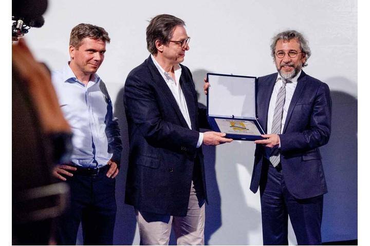 Tobias Piller premia Can Dündar
